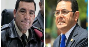 Ministro de la Defensa Nacional, Williams Mancilla y el presidente Jimmy Morales