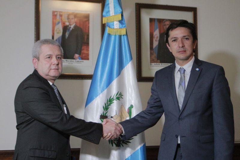 Víctor Martínez asume como nuevo ministro de Finanzas