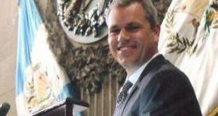 Diputado Christian Boussinot señalado de cometer cuatro delitos