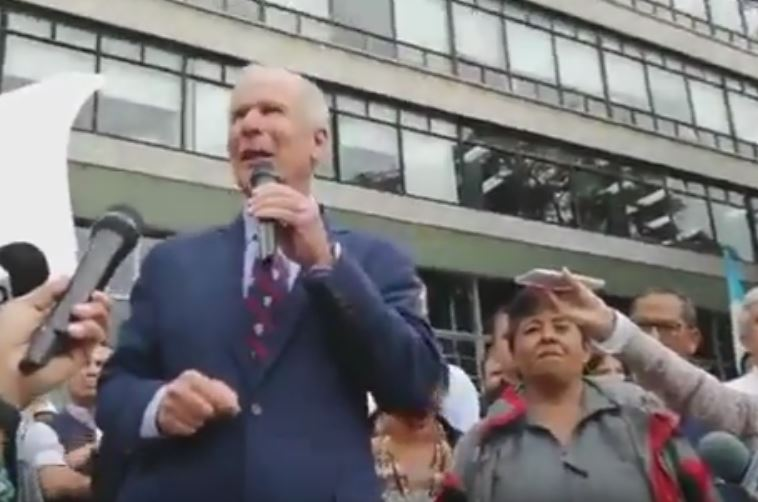 Alcalde Álvaro Arzú Indica