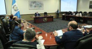 Alejandro Giammattei y su Consejo de Ministros en cuarentena por Covid-19