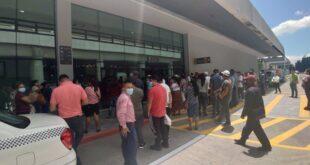 Aeropuerto Internacional la Aurora con aglomeración