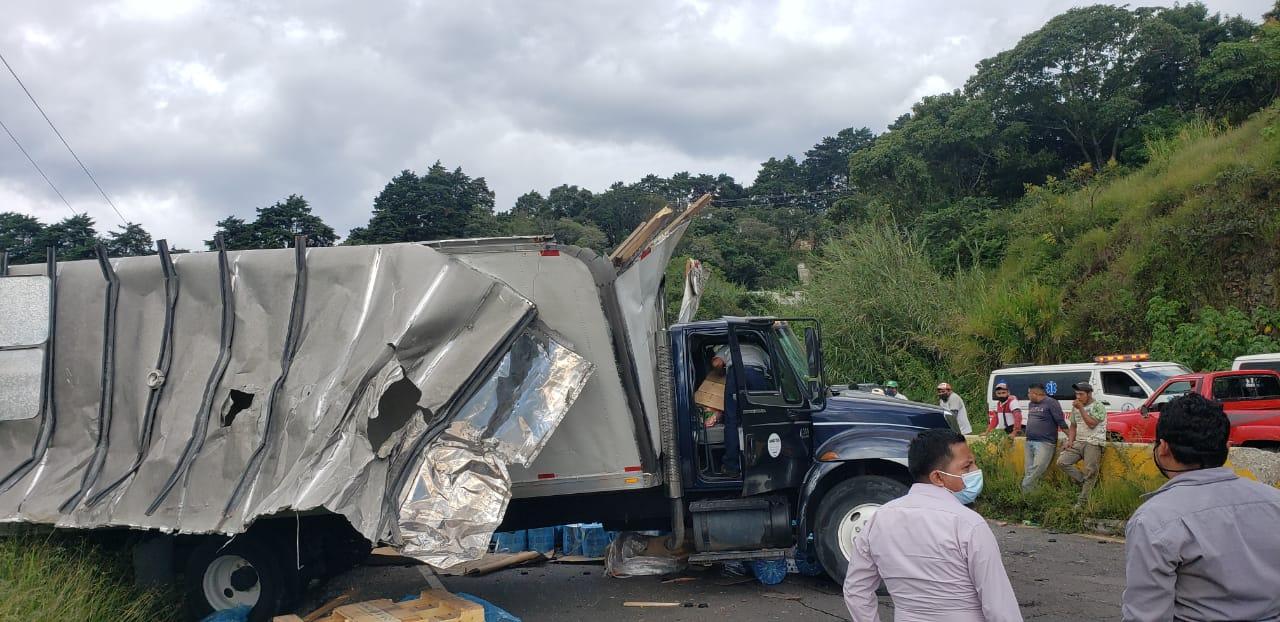 """Accidente en la Peligrosa Vuelta """"El Chilero"""" bloquea paso que conduce a Oriente"""