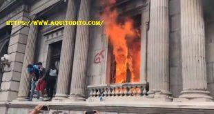 Prenden Fuego al Congreso de la República de Guatemala